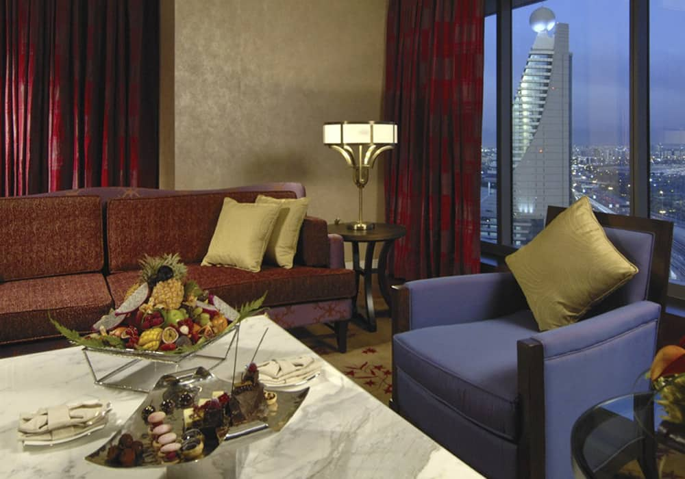 Fully Furnished Premium Suite Balcony